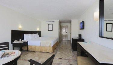 Standard king room Krystal Cancún Hotel Cancún