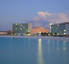 Facade Krystal Cancún Hotel Cancún