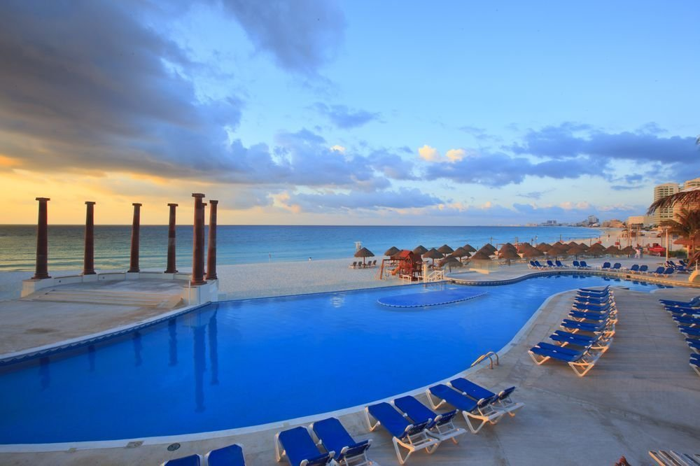 Discover the Krystal Cancun Hotel Cancún